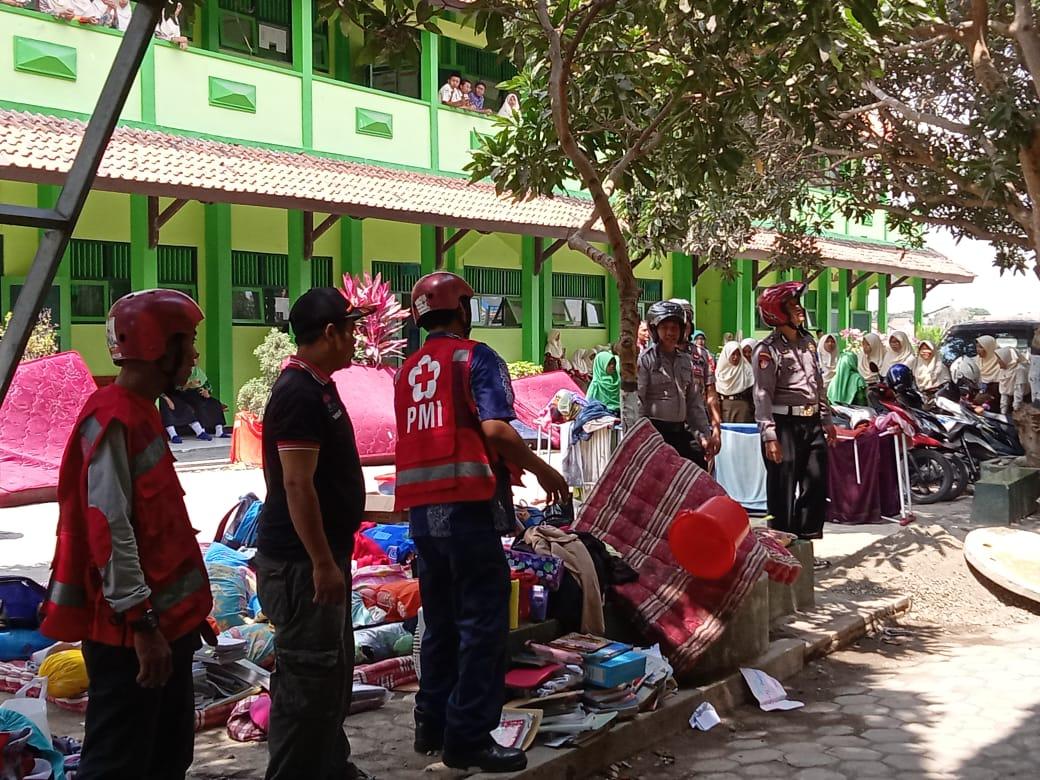 PMI Bantu Padamkan Kebakaran Asrama MTs N 1 Kebumen